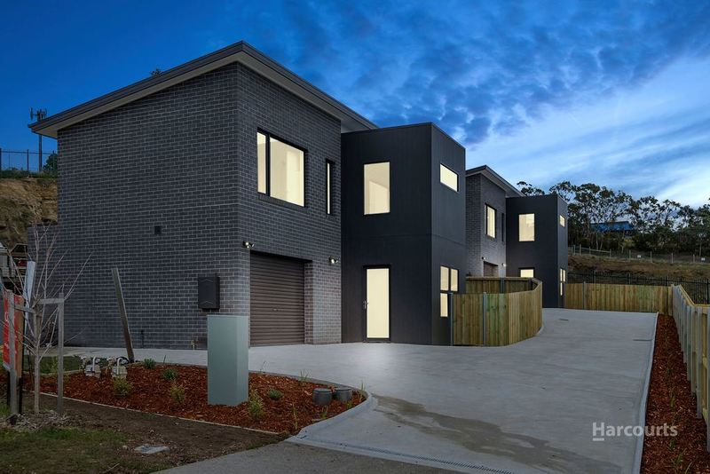 1 & 2/6 Dowding Crescent, New Town TAS 7008