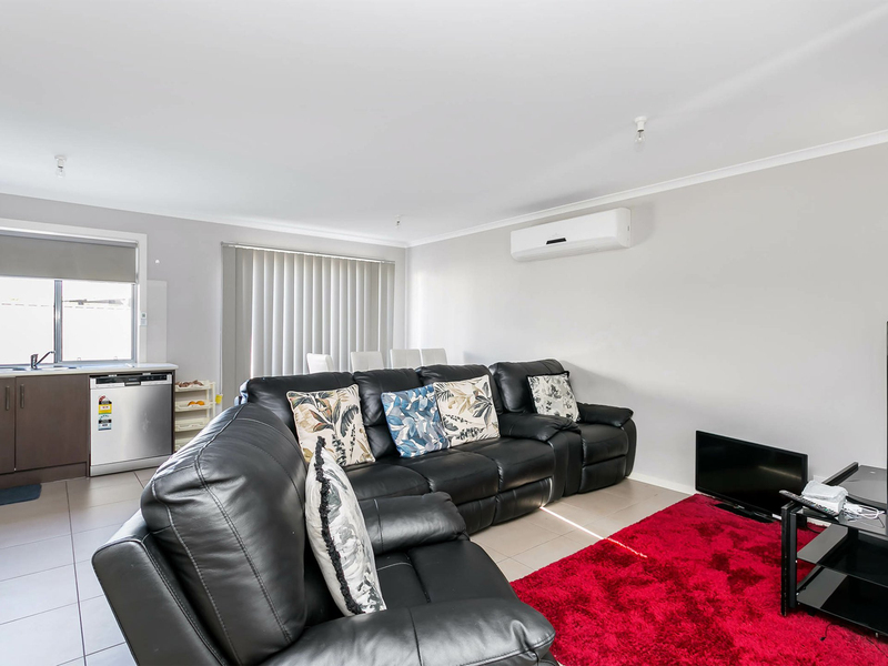 Photo - 1-4/3 St Clair Avenue, Para Hills SA 5096  - Image 4