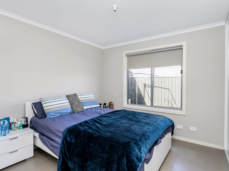 Photo - 1-4/3 St Clair Avenue, Para Hills SA 5096  - Image 5