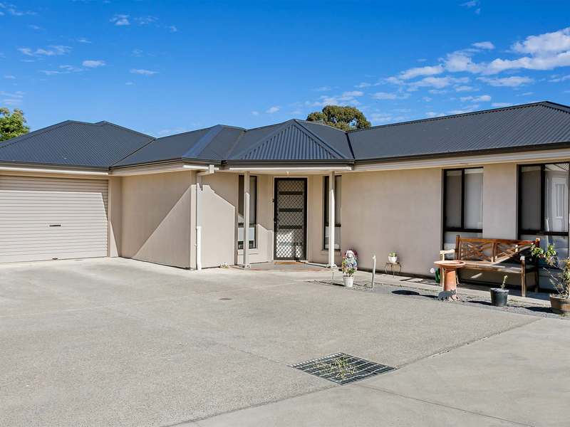 Photo - 1-4/3 St Clair Avenue, Para Hills SA 5096  - Image 11