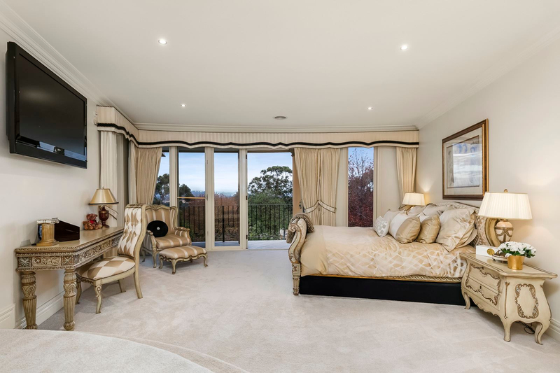 Photo - 1 Fairview Avenue, Wheelers Hill VIC 3150  - Image 14
