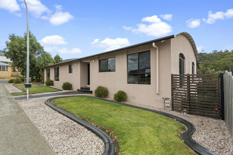 1 Hillcot Place, Glenorchy TAS 7010