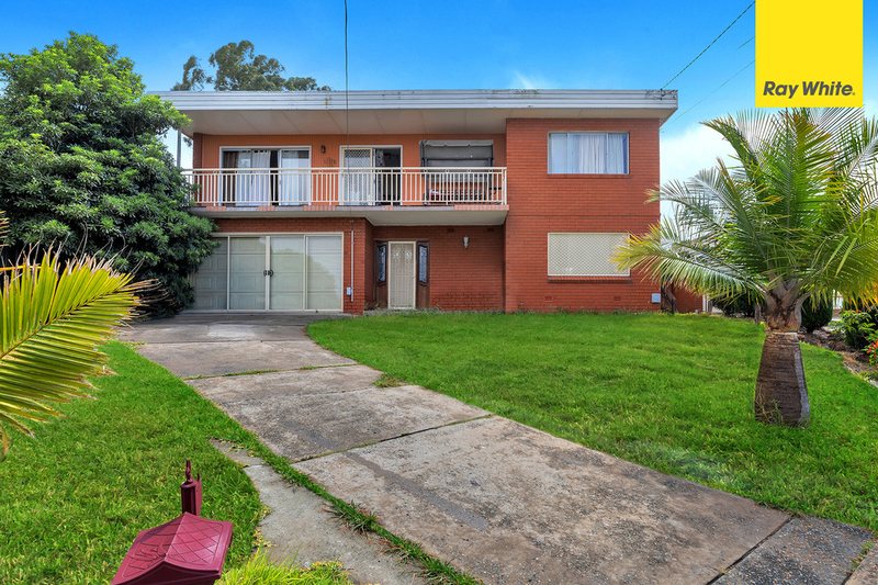 1 Maple Court, Greenacre NSW 2190