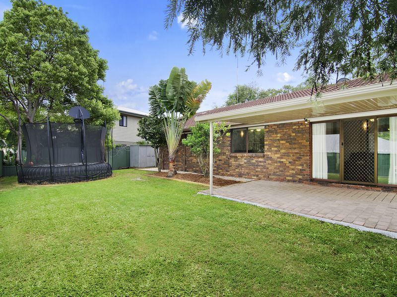 Photo - 1 Michelmore Road, Carrara QLD 4211  - Image 1