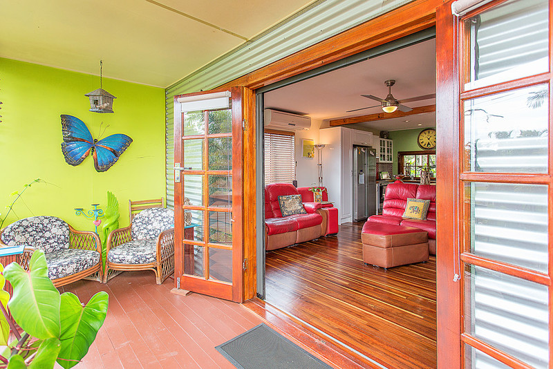 1 Penguin Street, Slade Point QLD 4740