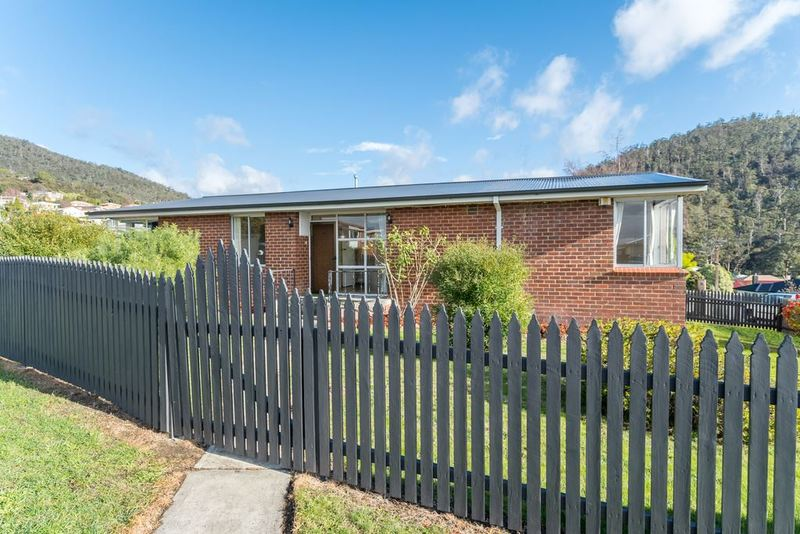 Photo - 10 Allunga Road, Chigwell TAS 7011  - Image 1