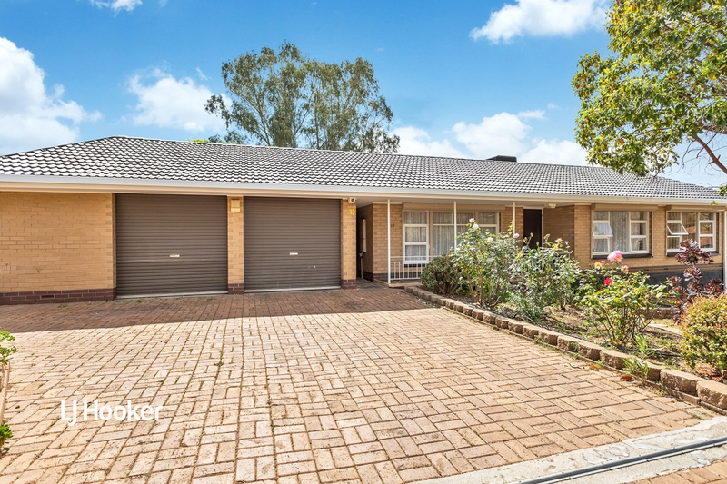 10 Carolan Crescent, Valley View SA 5093