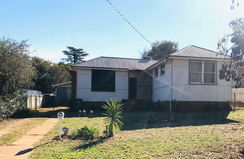 10 Gallop Ave Parkes NSW 2870