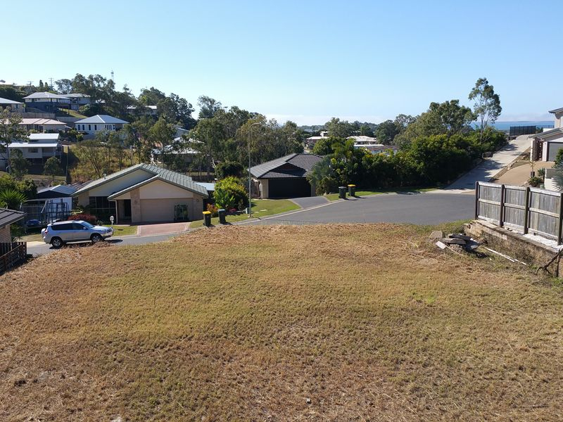 Photo - 10 Lauren Court, South Gladstone QLD 4680  - Image 4