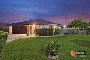 STYLISH WARNER LAKES MASTERPIECE! 3 LIVING AREAS + DUCTED AIRCON + SIDE ACCESS!!