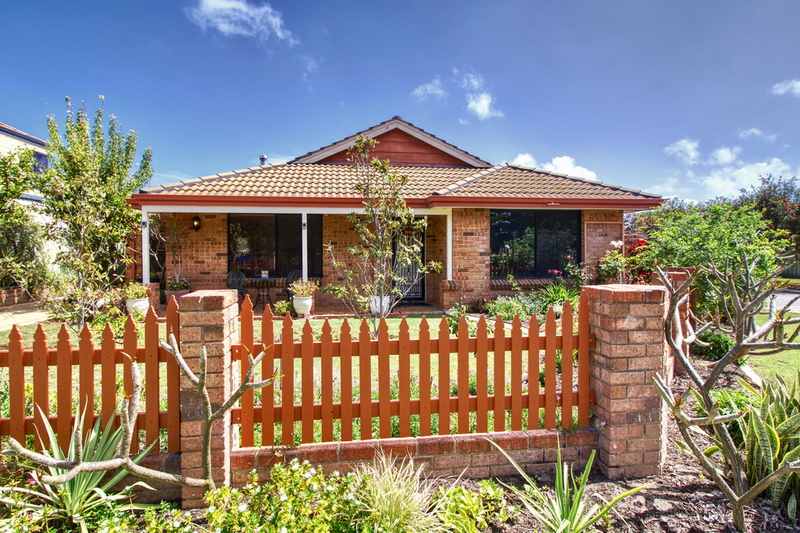 10 Madras Crescent, Port Kennedy WA 6172