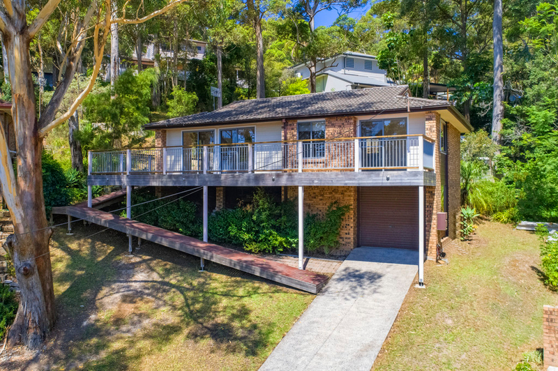 10 Mondy Crescent, Avoca Beach NSW 2251