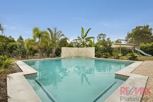 6 Bed - Dual Living - 2000m2 - Shed and Pool