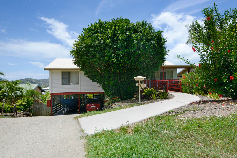 10 South Molle Boulevard, Cannonvale QLD 4802