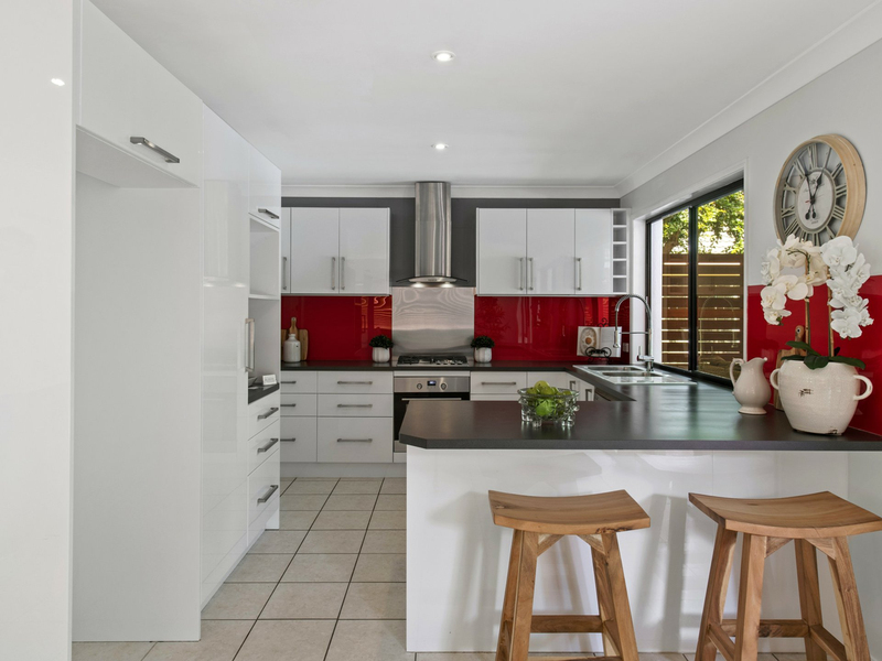 Photo - 10 Sunview Drive, Twin Waters QLD 4564  - Image 7