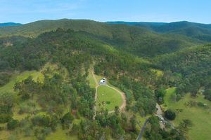 73 acre Lifestyle Opportunity adjoining National Park