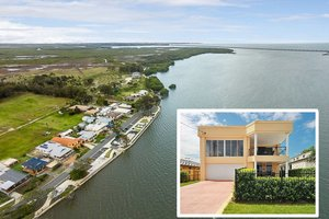 ABSOLUTE WATERFRONT DREAM HOME! DUAL LIVING OPTION!