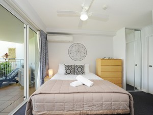Totally refurbished unit located in the Alex Beach Resort