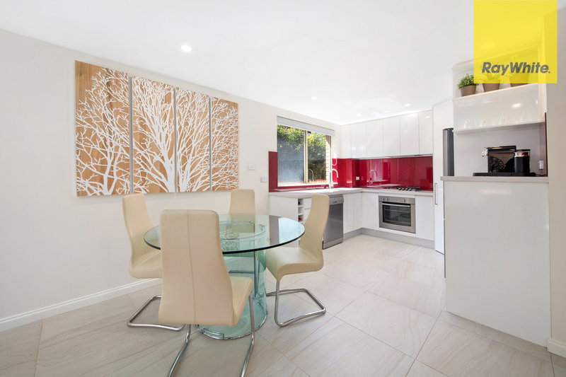 Photo - 10/88-92 Yathong Road, Caringbah NSW 2229  - Image 3