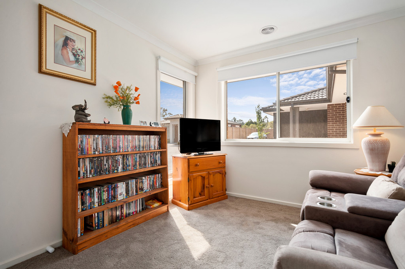 Photo - 10/98 Lampard Road, Drouin VIC 3818  - Image 5