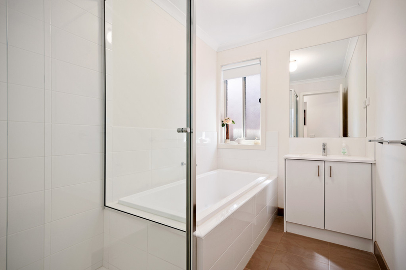 Photo - 10/98 Lampard Road, Drouin VIC 3818  - Image 7