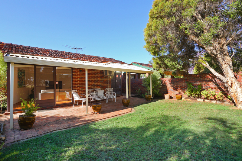 10A Macrae Road, Applecross WA 6153