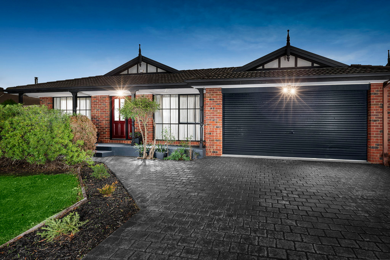 11 Carroll Crescent, Mill Park VIC 3082