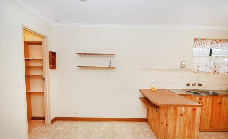 Photo - 1/1 Hillsley Avenue, Everard Park SA 5035  - Image 3