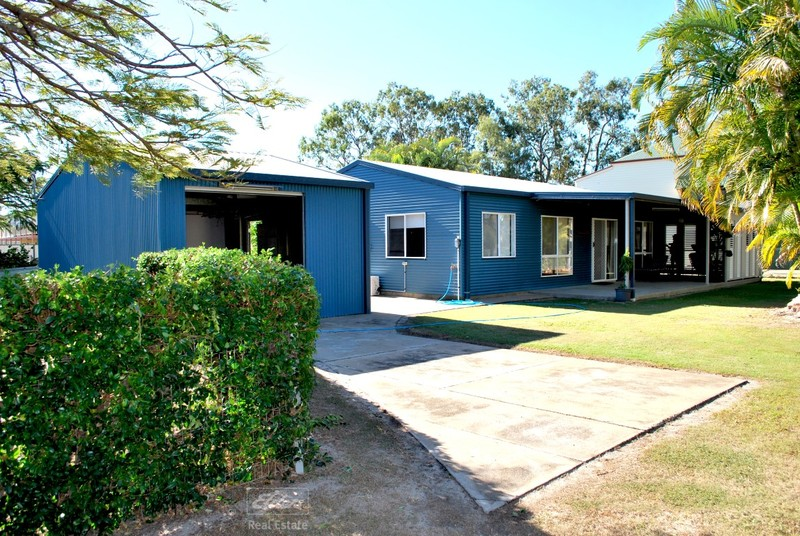 11 Island View Dr. Drive, Winfield QLD 4670
