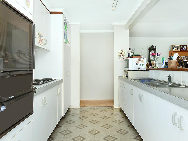 Photo - 11 Lorraine Crescent, Centenary Heights QLD 4350  - Image 3