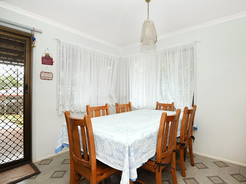Photo - 11 Lorraine Crescent, Centenary Heights QLD 4350  - Image 4