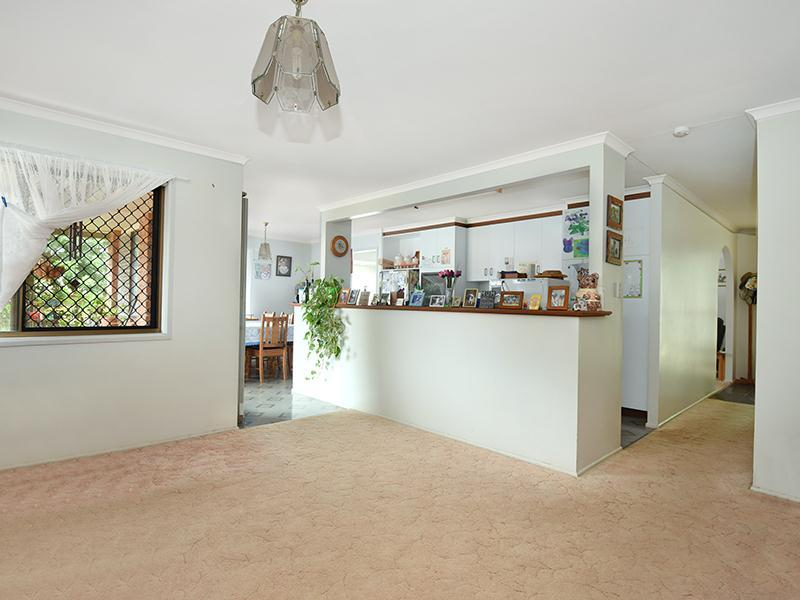 Photo - 11 Lorraine Crescent, Centenary Heights QLD 4350  - Image 5
