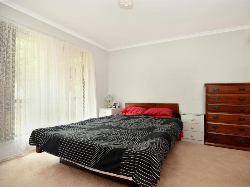 Photo - 11 Lorraine Crescent, Centenary Heights QLD 4350  - Image 6