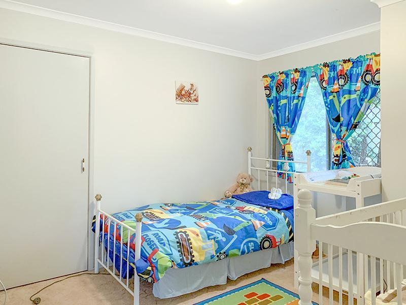 Photo - 11 Lorraine Crescent, Centenary Heights QLD 4350  - Image 7