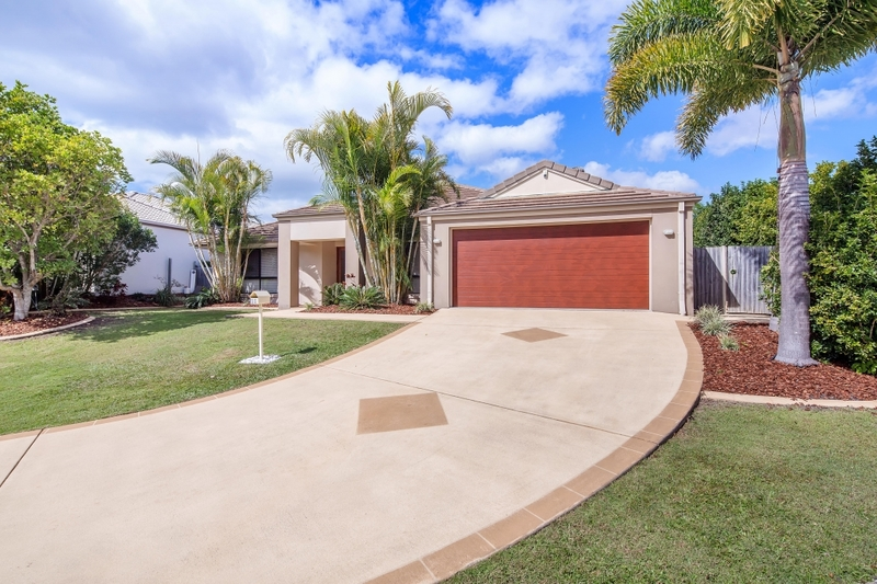 11 Parkwood Place, Peregian Springs QLD 4573
