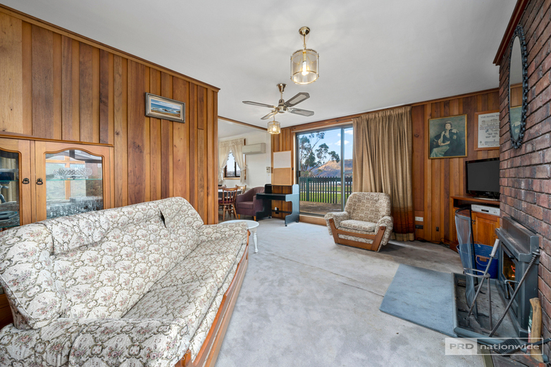 Photo - 11 Pulkara Circle, Berriedale TAS 7011  - Image 2