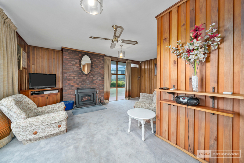 Photo - 11 Pulkara Circle, Berriedale TAS 7011  - Image 4