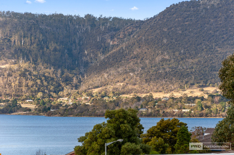 Photo - 11 Pulkara Circle, Berriedale TAS 7011  - Image 19