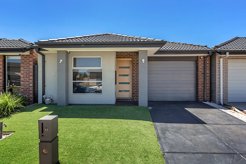 11 Spinner Way, Point Cook VIC 3030
