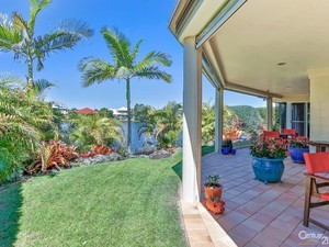 Your Waterfront Oasis Awaits!