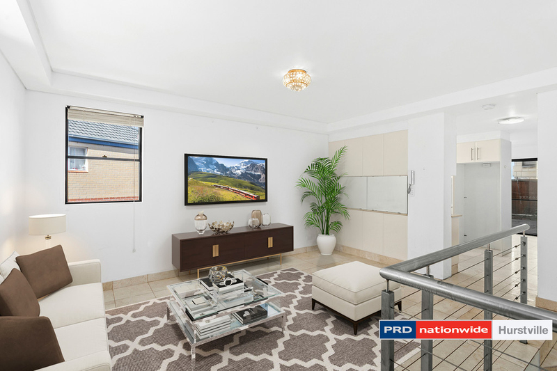 Photo - 1/10-12 Connells Point Road, South Hurstville NSW 2221  - Image 2