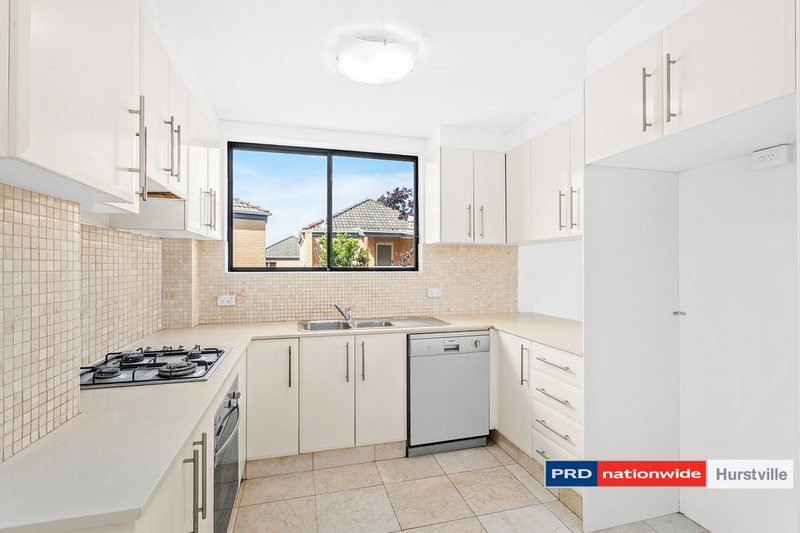Photo - 1/10-12 Connells Point Road, South Hurstville NSW 2221  - Image 3