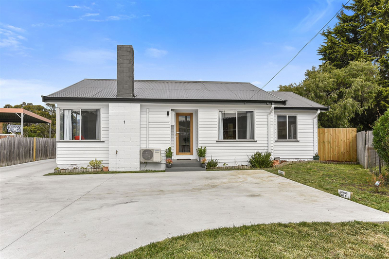 Photo - 1/10 Schouten Street, Warrane TAS 7018  - Image 1