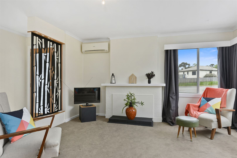 Photo - 1/10 Schouten Street, Warrane TAS 7018  - Image 3