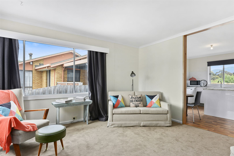Photo - 1/10 Schouten Street, Warrane TAS 7018  - Image 5