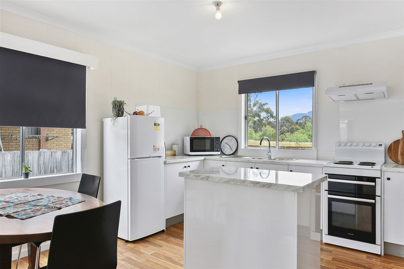 Photo - 1/10 Schouten Street, Warrane TAS 7018  - Image 6