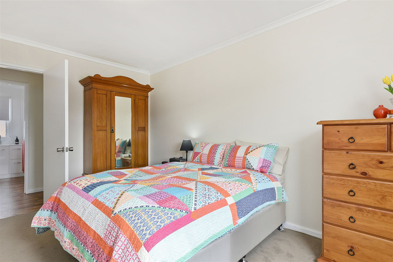 Photo - 1/10 Schouten Street, Warrane TAS 7018  - Image 10