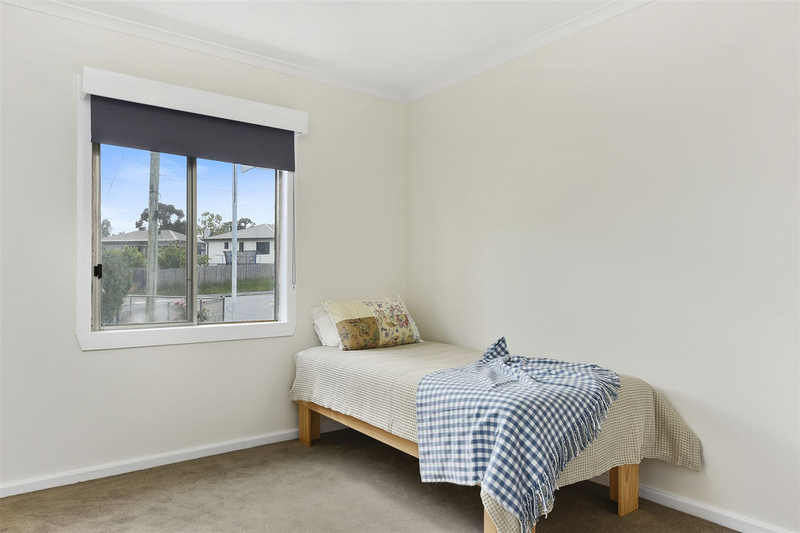 Photo - 1/10 Schouten Street, Warrane TAS 7018  - Image 11