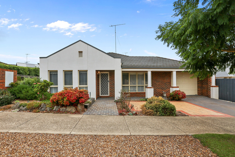 1/11 Cedarville Close, Highton VIC 3216