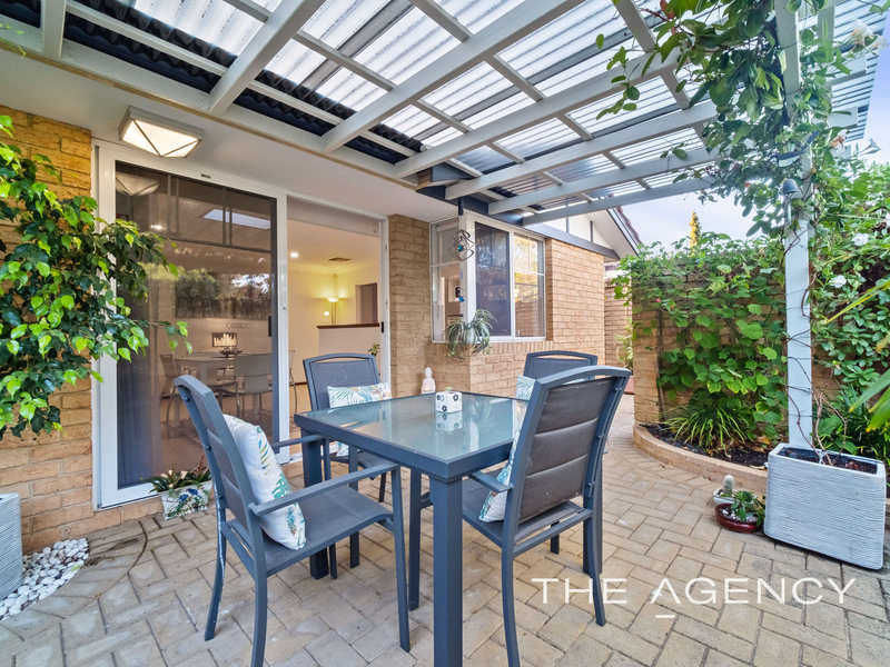 Photo - 1/11 Strickland Street, South Perth WA 6151  - Image 2